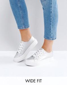 Кроссовки для широкой стопы с эффектом металлик New Look - Серебряный