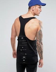 Удлиненная майка-борцовка с надписью на спине и необработанным краем ASOS - Черный