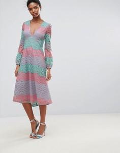 Кружевное платье миди с длинными рукавами Traffic People - Розовый