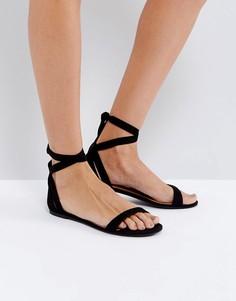 Черные сандалии из нубука Call It Spring Caderasen - Черный