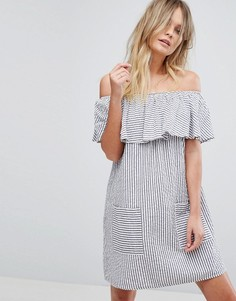 Летнее платье в полоску с открытыми плечами New Look - Синий