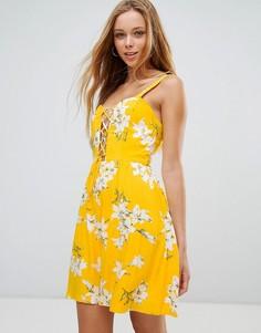 Короткое приталенное платье с цветочным принтом Parisian - Желтый