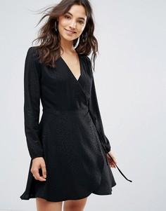 Платье с анималистичным принтом и запахом Liquorish - Черный