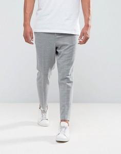 Светло-серые суженные книзу брюки с эластичной вставкой ASOS - Серый