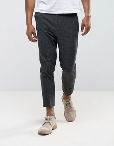 Темно-серые суженные книзу строгие брюки с эластичной вставкой ASOS - Серый