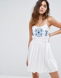 Летнее платье с вышивкой Boohoo - Белый