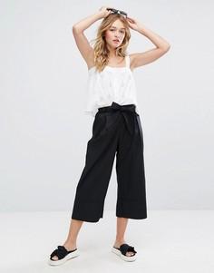 Широкие брюки с поясом Monki - Черный