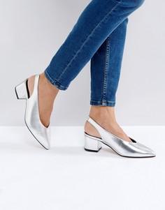 Туфли на среднем каблуке с ремешком через пятку Truffle Collection High Topline - Серебряный