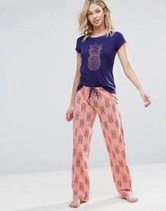 Пижамный комплект с ананасами Loungeable - Розовый