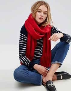 Супермягкий вязаный шарф с длинной бахромой ASOS - Красный