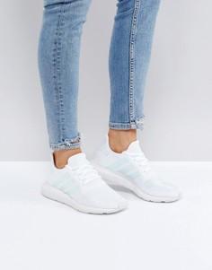 Белые кроссовки с полосками мятного цвета adidas Originals Swift Run - Белый