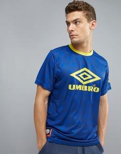Спортивная футболка Umbro - Красный