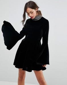 89e146120a0 Короткое приталенное бархатное платье с высоким воротом и отделкой ASOS -  Черный