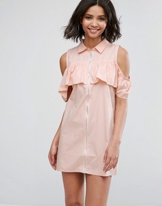 Платье с открытыми плечами и оборкой Influence - Розовый