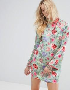Свободное платье с длинным рукавом, высоким воротом и цветочным принтом Glamorous - Зеленый