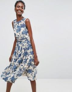 Платье миди с присборенной отделкой и синим принтом ASOS PREMIUM - Мульти