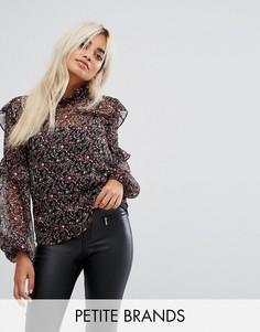 Полупрозрачная блузка с высоким воротником и цветочным принтом Fashion Union Petite - Черный