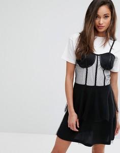Платье мини с корсетом и баской PrettyLittleThing - Черный