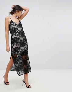 Кружевное платье миди на бретельках TFNC - Черный