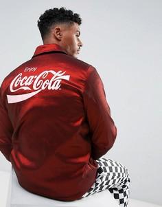 Красная спортивная куртка с подкладкой из искусственного меха и принтом на спине Hype x Coca Cola - Красный