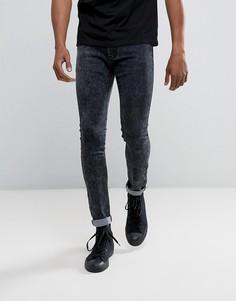 Серые джинсы скинни с эффектом кислотной стирки Liquor & Poker - Серый