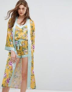 Атласный пижамный халат с цветочным принтом New Look - Желтый