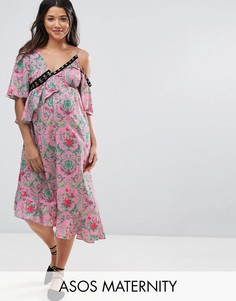 Атласное платье макси с цветочным принтом и люверсами ASOS Maternity - Мульти