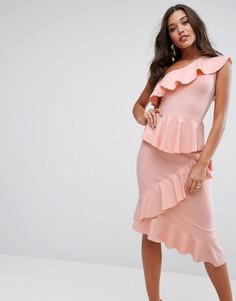 Облегающее платье миди на одно плечо с ярусными оборками ASOS - Розовый