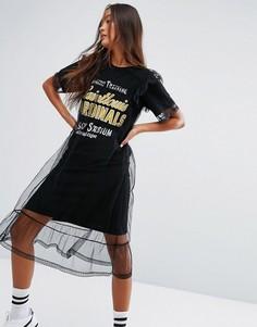 Платье-футболка с принтом в университетском стиле и сетчатым верхним слоем STYLENANDA - Черный