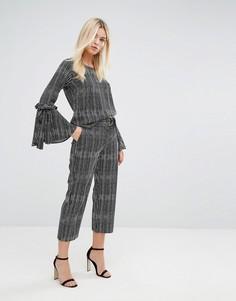 Строгие брюки в полоску с D-образной пряжкой на поясе Closet London - Мульти