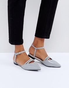 Туфли на плоской подошве с острым носком и заклепками Glamorous - Серый