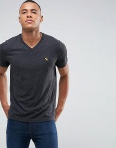 Черная обтягивающая футболка с V-образным вырезом и логотипом Abercrombie & Fitch - Черный