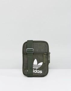 Зеленая сумка для авиапутешевствий adidas Originals BQ8165 - Зеленый