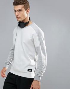 Серый свитшот с круглым вырезом и молниями по бокам adidas Athletics BQ0708 - Серый