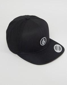 Саржевая бейсболка с маленьким логотипом Volcom - Черный