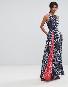 Платье макси с контрастной плиссированной вставкой и цветочным принтом Ted Baker - Темно-синий