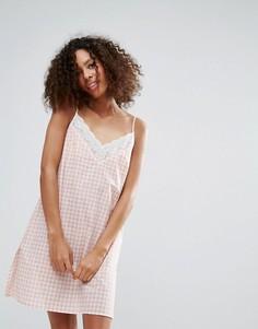 Платье-комбинация в клетку Monki - Розовый