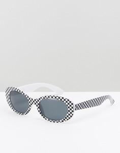 Солнцезащитные очки в овальной оправе с дизайном шахматная доска ASOS - Черный