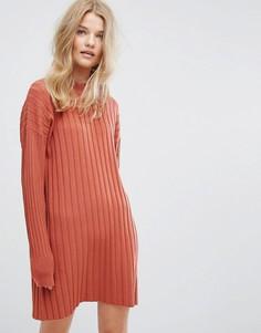 Трикотажное платье в рубчик с высоким воротом Weekday - Оранжевый