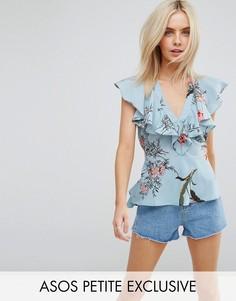 Блузка с цветочным принтом, рюшами и завязкой на поясе ASOS PETITE - Синий