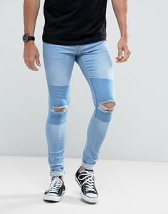 Светлые супероблегающие джинсы со вставками и рваной отделкой на коленях Hoxton Denim - Синий