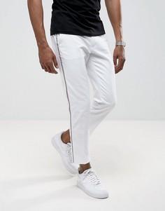 Белые брюки скинни с полосками ASOS - Белый