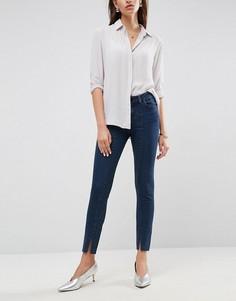 Облегающие джинсы с классической талией и разрезами по низу ASOS LISBON - Синий