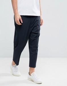 Темно-синие зауженные брюки заниженного кроя ASOS - Темно-синий