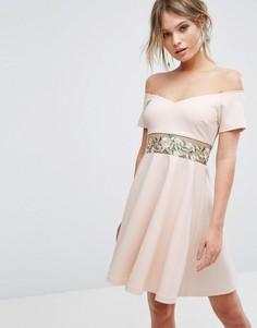 Платье мини с вышивкой New Look - Бежевый