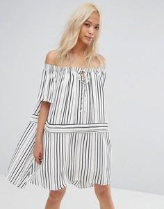 Платье с открытыми плечами и принтом Isla - Белый