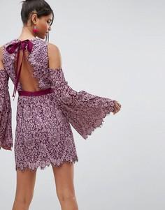 Платье мини с бантом на спине и расклешенными рукавами ASOS - Розовый