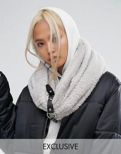 Вязаный шарф-снуд оверсайз с ремешком и пряжкой Shikumi - Серый