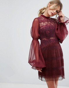 Кружевное платье мини с пышными рукавами на манжетах Three Floor - Красный