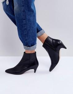 Кожаные полусапожки на каблуке ASOS REBECCA - Черный